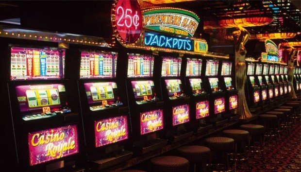 Играть в клубнику игровые автоматы депозит от 10 рублей игровые автоматы онлайн